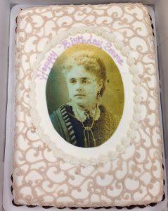 emma-blood-french-cake
